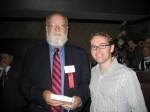 Ο Daniel Dennett υπογράφει το βιβλίοτου
